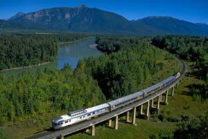 基于BIM的铁路轨道三维数字化设计系统研究
